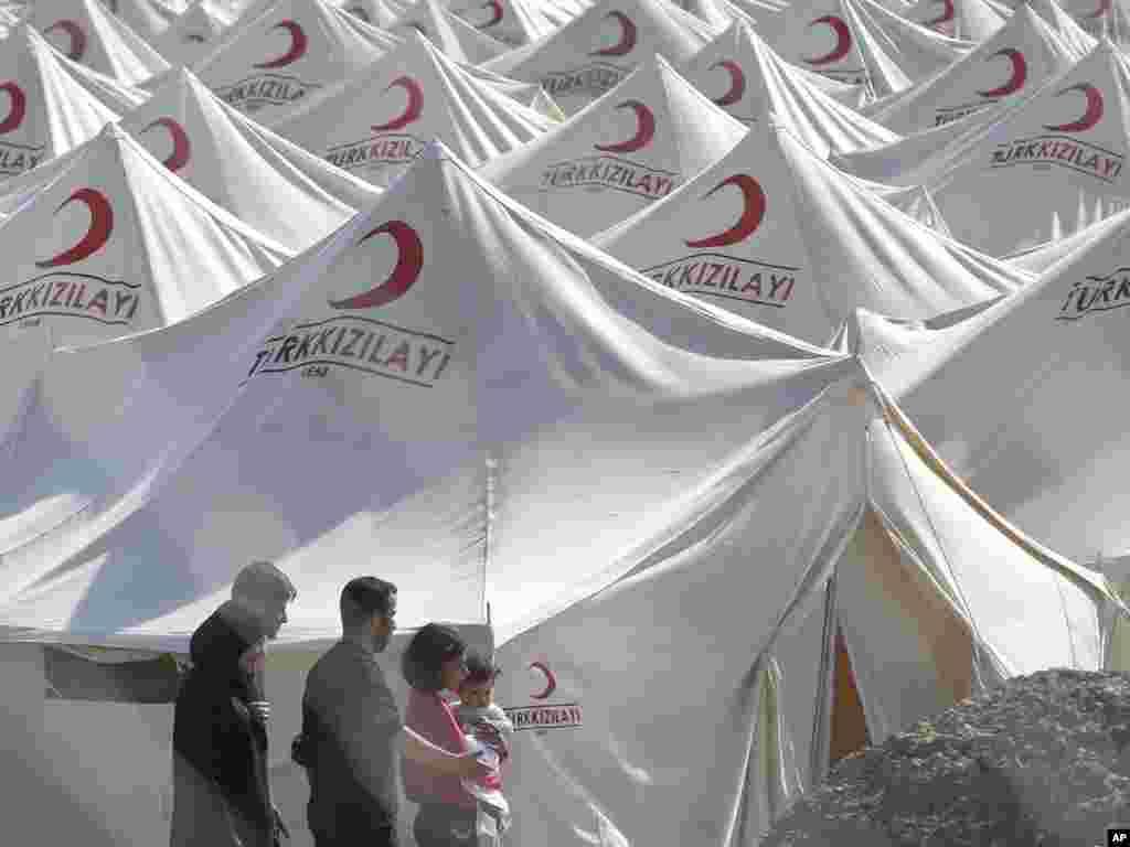 Табір сирійських біженців у Туреччині, 13 червня. Тисячі сирійців утекли до цієї країни від бойових дій удома.Photo by Selcan Hacaoglu for AP