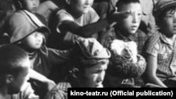 """""""Атадан калган туяк"""" фильминен көрүнүш. kino-teatr.ru сайтынан алынган сүрөт."""