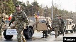 Польшаға НАТО күштері құрамында барған АҚШ әскері. Заган, 12 қаңтар 2017 жыл.