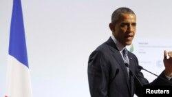 Presidenti i SHBA-së, Barack Obama, në Paris.