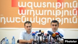 Armenia - Armen Rustamian (R), a leader of the Armenian Revolutionary Federation, at a news conference in Yerevan, 10Jul2012.