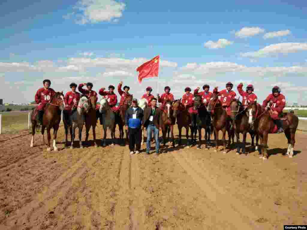 Команда из Китая полностью состоит из этнических казахов. Они должны были играть с Азербайджаном, но команда из Азербайджана не приехала по неизвестным причинам, и Китай автоматически прошел в следующий тур.