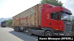 Armenia -- Iranian truck-drivers in Armenia, 24Aug2012