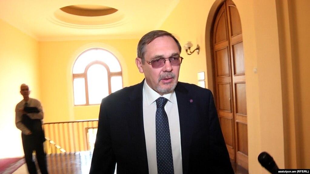 Посол РФ призывает не относиться серьезно к критике, звучащей на российских телеканалах в адрес Армении