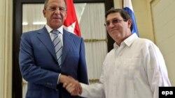 Глава МИД РФ Сергей Лавров во время встречи с министром иностранных дел Кубы Бруно Родригесом в Гаване