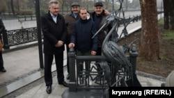 Открытие памятника цапле Симе на набережной Салгира в Симферополе