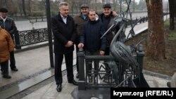 Відкриття пам'ятника чаплі Сімі на набережній Салгира в Сімферополі