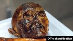 5300 жыл мурда мумияланган Эци.
