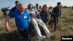 ABŞ-nyň astronawty Rik Mastrakkio, Gazagystan, 14-nji maý, 2014