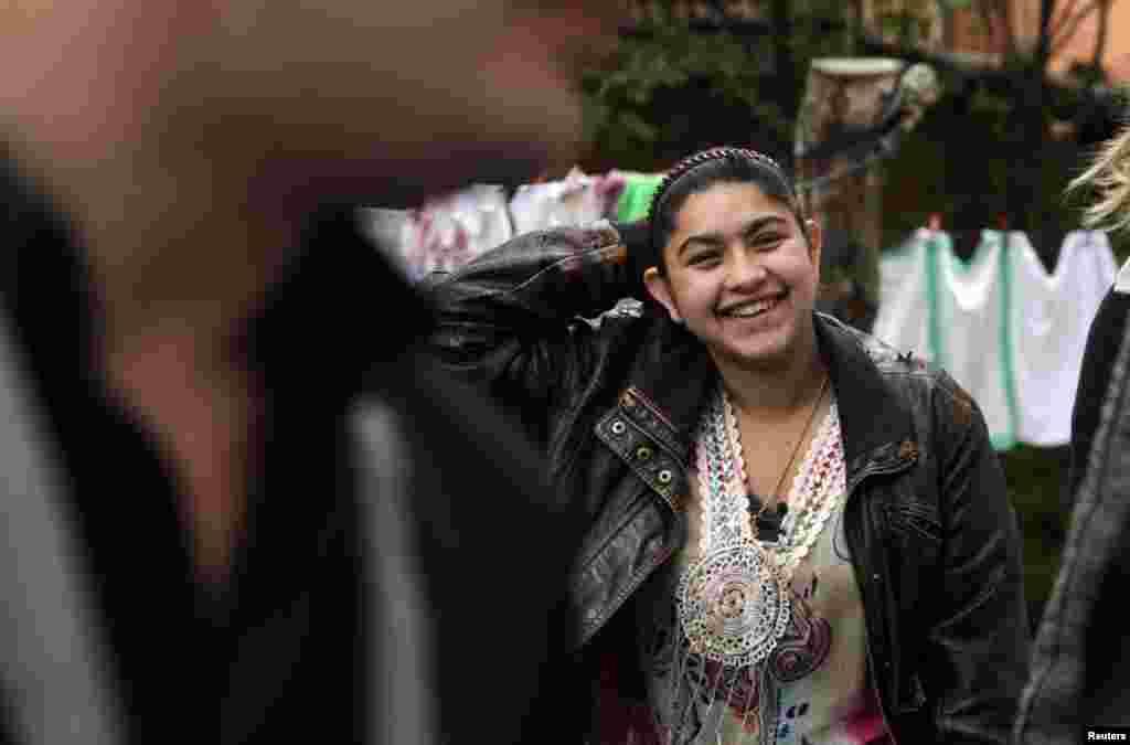 Kosovo - Leonarda Dibrani (15), Mitrovica, 17. oktobar 2013. Foto: REUTERS / Hazir Reka