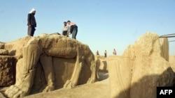 Археологические раскопки в Нимруде, июль 2001 года