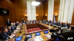 A general view of a meeting between UN Special Envoy for Syria and the Syrian government delegation during Syria peace talks at the United Nations Offices in Geneva, May 19, 2017