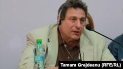Prof. Richard Peña la dezbaterea de la Chișinău