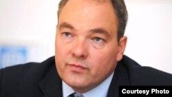 Координатор МОМ по Центральной Азии и глава миссии Деян Кесерович.