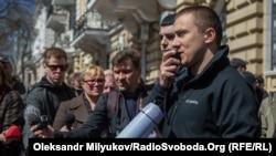 Сергій Стерненко (попереду праворуч)