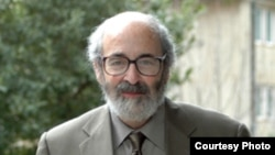 Профессор Алан Корс, основатель организации FIRE