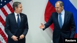 سرگئی لاوروف و آنتونی بلینکن ضمن اذعان به وجود اختلاف نظر ٬ بر لزوم همکاری بین آمریکا و روسیه تاکید کردند.