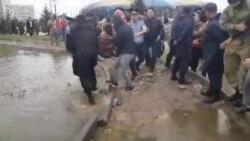 Алатау театры маңында полиция азаматтарды ұстады
