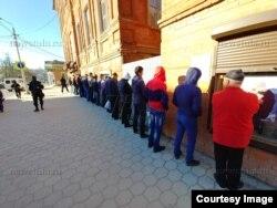 """Рейд давомида 300 зиёд муҳожир ушланди (""""Тульские новости"""" АА фотоси)"""