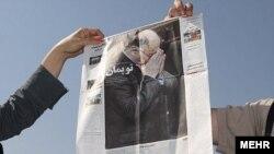 تصویری از محمد نوری در صفحه اول یکی از روزنامه های تهران