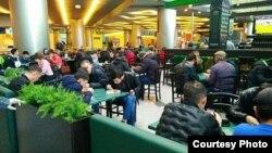 Özbəkistan vətəndaşları Domodedovo aeroportunda, arxiv fotosu