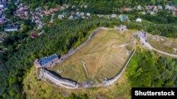 Руїни Кременецького замку на горі Бона над містом