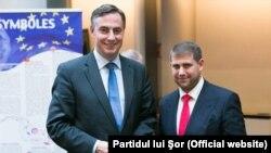Ilan Shor cu deputatul David McAllister la una din pretinsele întîlniri oficiale de la Strasbourg