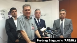 Sleva na desno: Darko Bulatović (gradonačelnik Niša), Vladica Đurđanović, Rade Rajković (predsednik Skupštine Grada Niša) i Bojan Avramović
