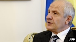 Fatmir Sejdiu has stepped down after three years as Kosovo's president.