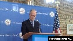 Американскиот амбасадор во Авганистан Џејмс Канингем.