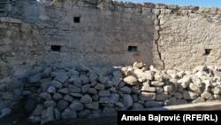Srbija je inače ovaj prostor prepoznala kao spomeničko nasleđe od izuzetnog značaja, kaže Vidosavljević (na fotografiji detalj sa arheološkog nalazišta)