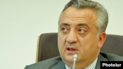Armenia - Central Bank Governor Artur Javadian at a news conference in Yerevan.