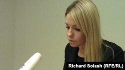 Yevhenia Tymoshenko reads a written appeal by her mother on September 20 in Washington.