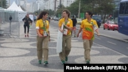 Волонтеры в Рио накануне Олимпийских игр.