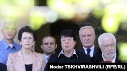 Сегодняшнего заявления Народного Собрания грузинские журналисты ждали с нетерпением