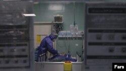 Больница для пациентов с COVID-19 в Иране.