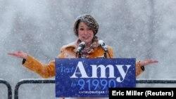 Еймі Клобучар оголошує про свою кандидатуру на висування від Демократичної партії на вибори президента США 2020 року, Міннеаполіс, 10 лютого 2019 року