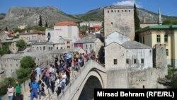 "Stari most ""vrvi"" od turista"