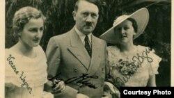 Carte poștală de epocă Verena Wagner and Hitler