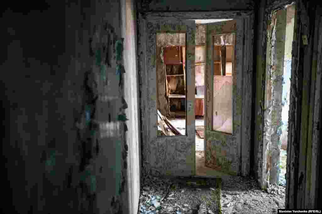 Заброшенная квартира в городе Припять. Здесь никто не жил 31 год.