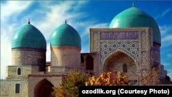 Мечеть «Кок-Гумбаз» («Голубой купол») после реставрации.
