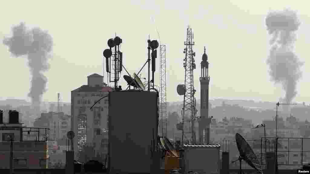 Ізраїль завдає ударів у відповідь, фото з міста Гази 15 листопада 2012 року