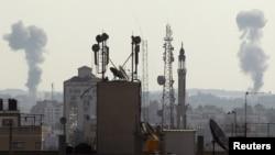 دخان الغارات الاسرائيلية على غزة