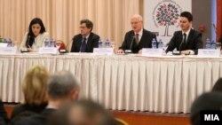 Прес-конференција на набљудувачите на ОБСЕ/ОДИХР во Македонија.