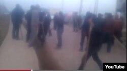 Скриншот видео, размещенного в Интернете, о событиях в Сарыагаше, развернувшихся после убийства Бахытжана Артыкова.