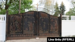 Poartă înschisă la cimitirul Sfântul Lazăr din Chișinău