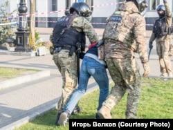 Задержания 10 сентября 2020 года. Фото Игоря Волкова