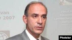 Руководитель ереванского офиса Всемирного банка Аристомене Варудакис (архив)