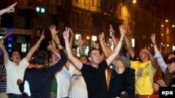 Sarajevo, slavlje zbog hapšenja Radovana Karaždića