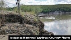 Кладбище села Каменское на Камчатке после наводнения